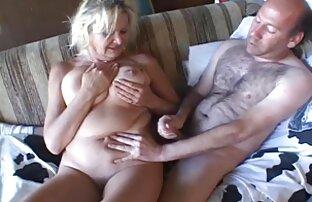 سبزه غنیمت بزرگ عکس کیرو کوس سکسی رپر را در حال حاضر در 69 قرار می دهد و به او یک بیدمشک می دهد